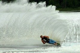 lake-powell-country-water-skiing